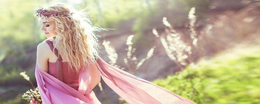 Звідки у жінок залежність від «уколів краси»